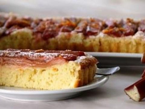 Rhubarb-Cake-640x339.jpg