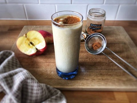 Apple and peanut butter smoothie.jpg
