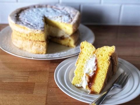 Duck Egg Sponge with Jam & Cream.jpg
