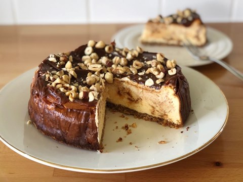 Dulce De Leche and hazelnut cheesecake.jpg