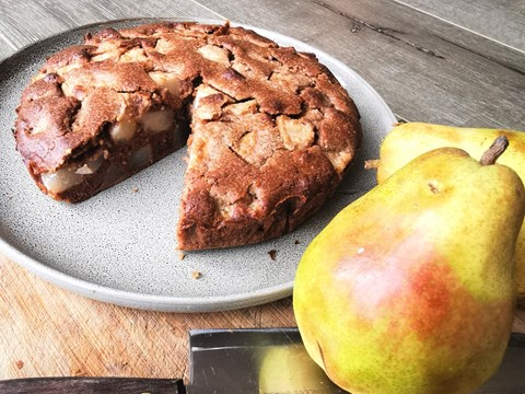 Chai Spiced Pear Spelt Cake.jpg