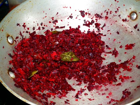 Smoked beetroot sauce.jpg